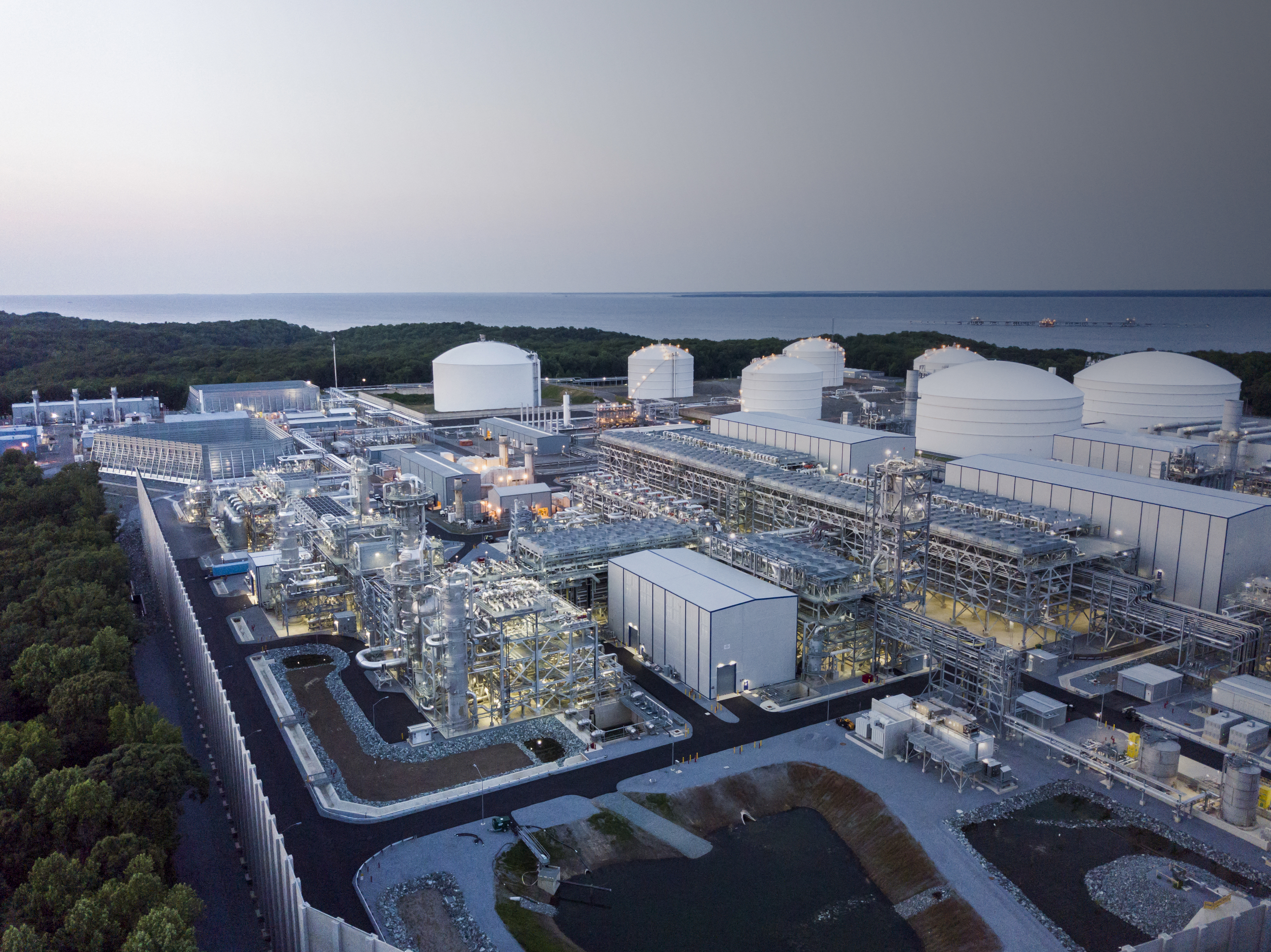 Dominion Energy's Cove Point liquefaction facility liquefies natural gas for export to countries such as India and Japan that use natural gas to power their economies and generate low-carbon electricity. (Source: Kiewit)