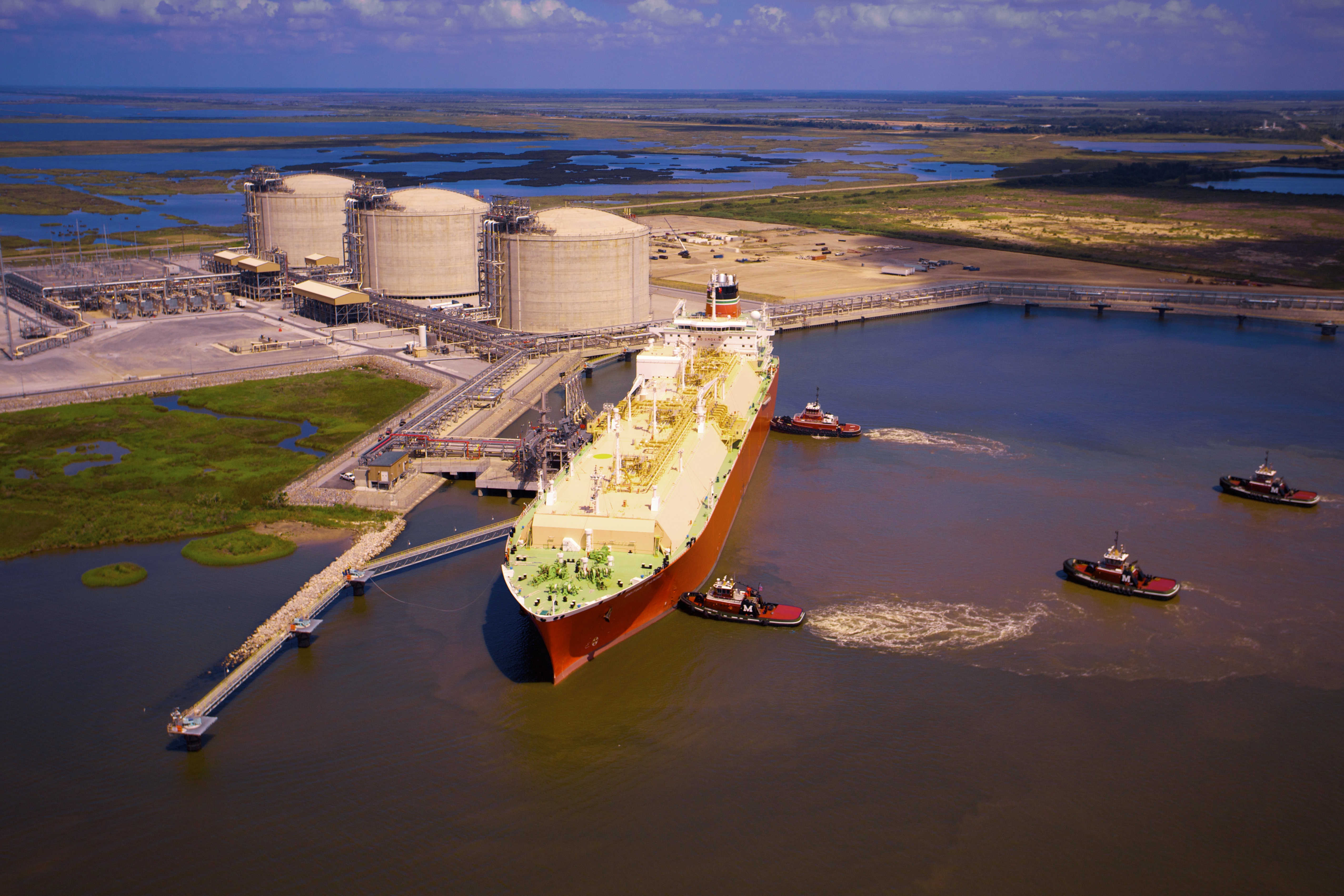 The Cameron LNG regasification terminal sits on an industrial-zoned site along the Calcasieu Channel in Hackberry, La., about 18 miles from the Gulf of Mexico and within 35 miles of five major interstate pipelines. (Source: Lonnie Duka/Sempra LNG)