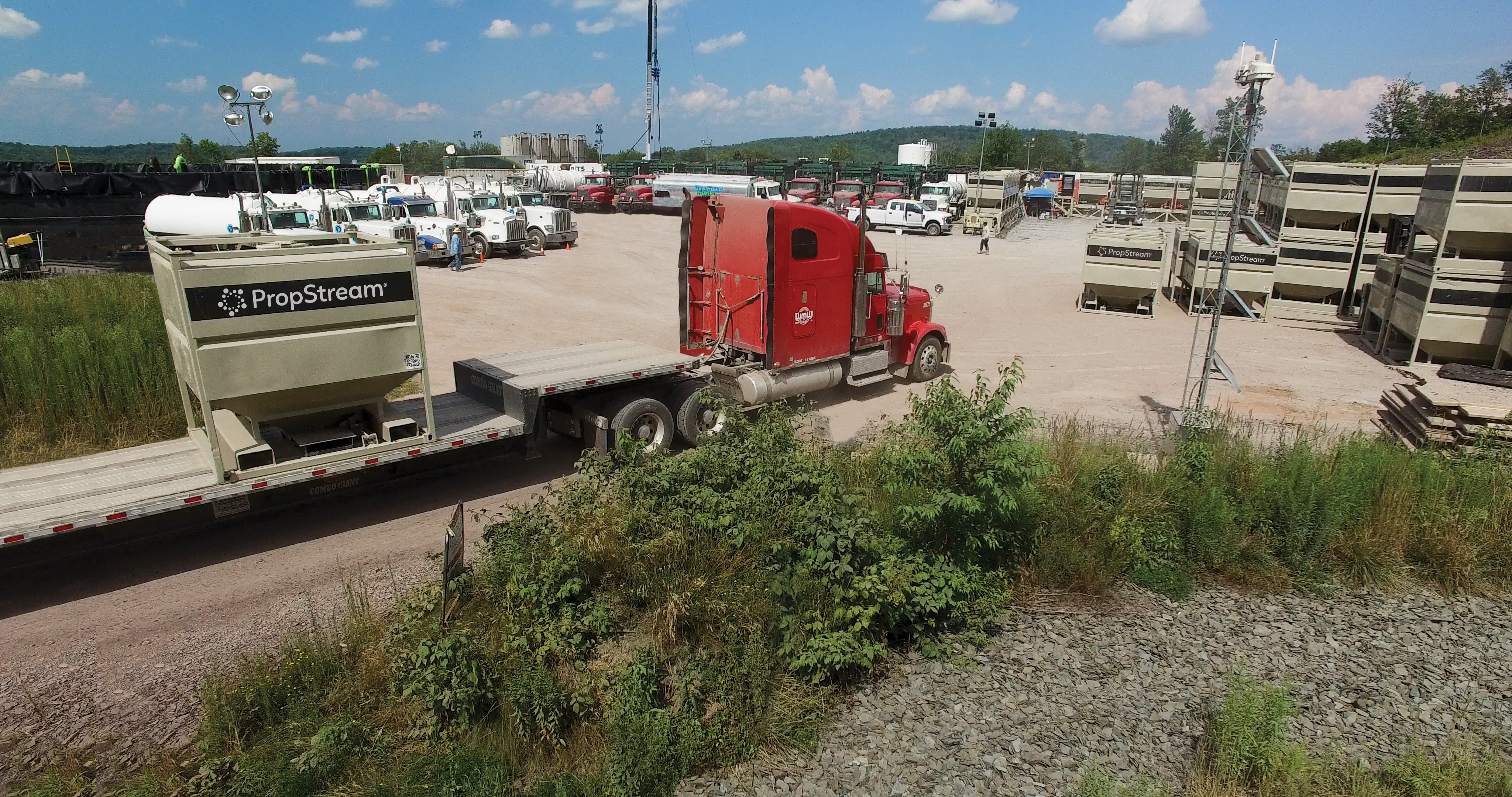 Containers deliver proppant the last mile to a Marcellus well site in Pennsylvania. (Source: Hi-Crush)