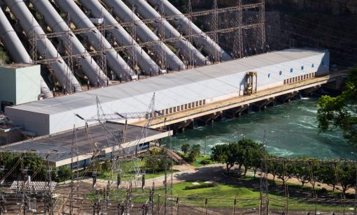 The Furnas Dam hydroelectric power plant is located in Brazil. Hydroelectricity is one of the main sources of renewable energy in the country. (Source: Deni Williams/Shutterstock.com)