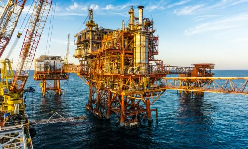 The Muktab-A platform is shown offshore India. (Source: AzmanMD/Shutterstock.com)