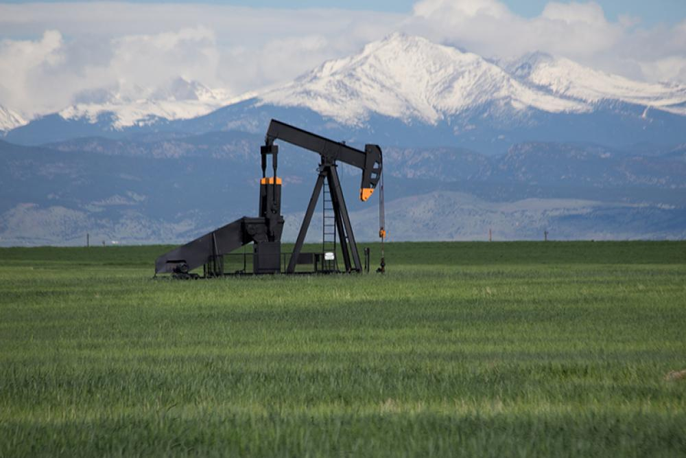 SB19-181 seeks to tighten regulation on the oil and gas industry and hand control of oil and gas permits over to local governments rather than the state. (Source: Shutterstock.com)