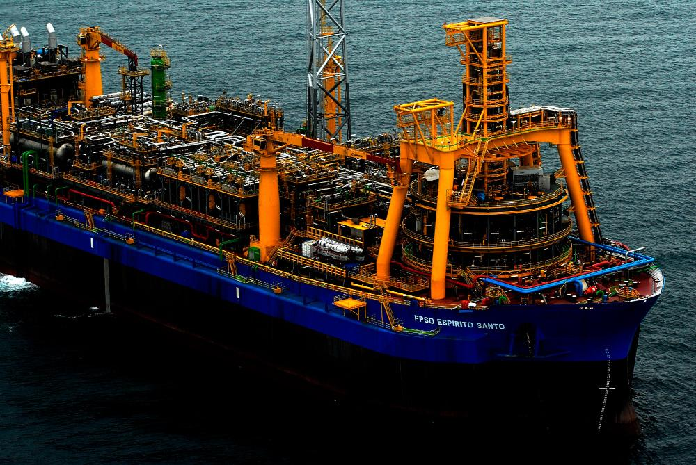 The FPSO Espírto Santo, operated by SBM Offshore, is moored in about 1,800 m of water at Parque das Conchas (BC-10) offshore Brazil. (Source: Shell Brazil)