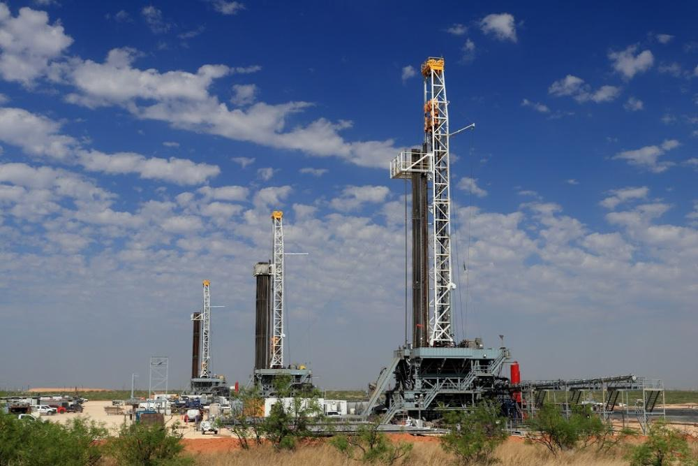 Oil rigs in the Permian Basin. (Source: GB Hart/Shutterstock.com)